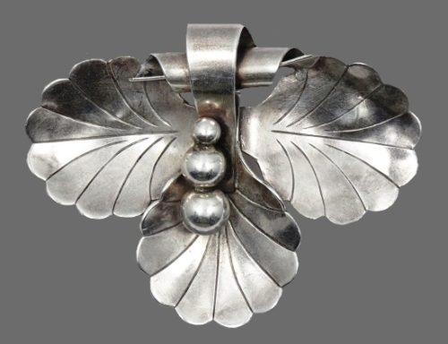 Three leaf sterling silver brooch pin