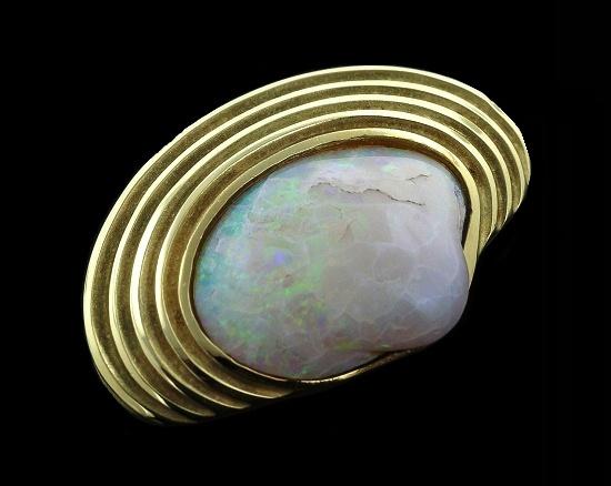 18K Yellow Gold Oyster Brooch, Crazed Opal