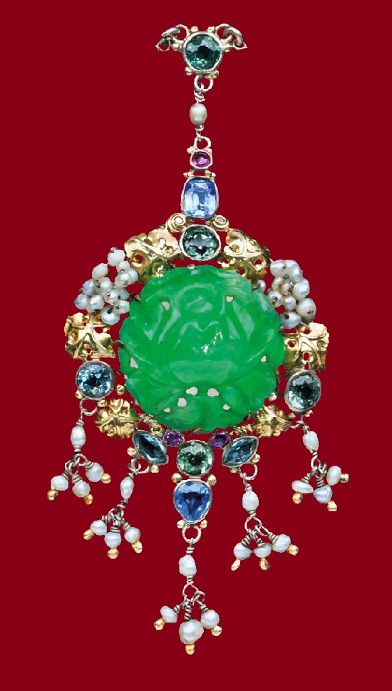 English jewelry designer Dorrie Nossiter (29 June 1893 – 1977)