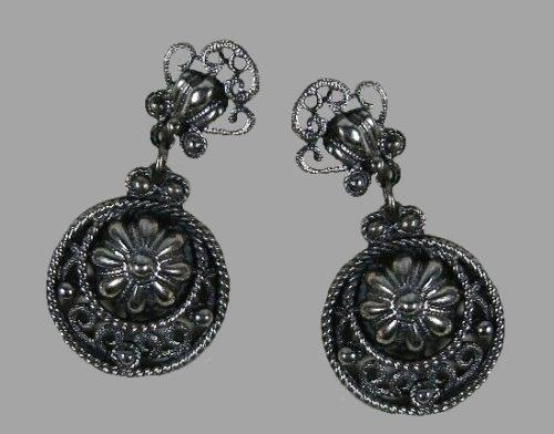 1950s dark silver tone floral design dangle earrings