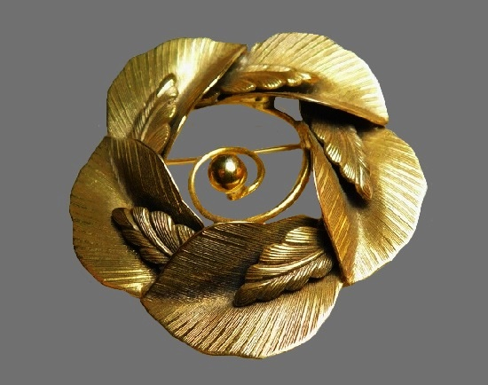 Leaf circle vintage brooch of gold tone textured metal