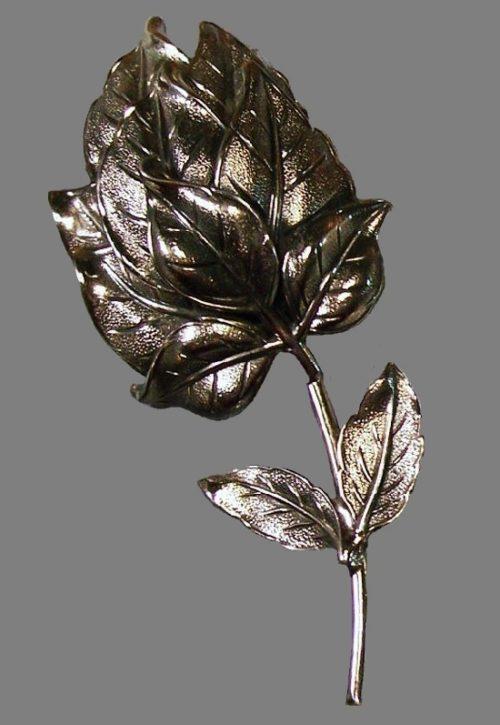 Leafy flower bud pin