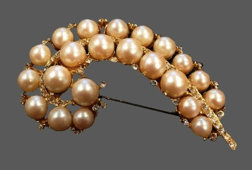 Pearl and rhinestones feather-leaf brooch pin