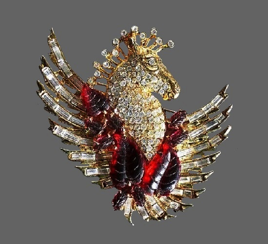 Pegasus gold tone vintage brooch. Rhinestones, lucite