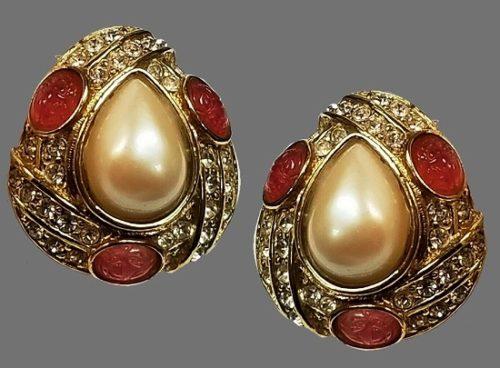 Pear shape earrings. Gold tone metal, tear shape faux pearl, pink molded glass inserts