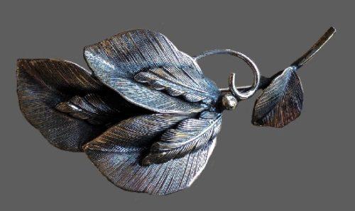 Vintage silver tone textured metal Leaves brooch