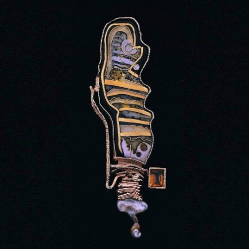 'White worm' brooch. Cloisonne enamel on silver, pearls, topaz. From the collection of the Art Museum in New York