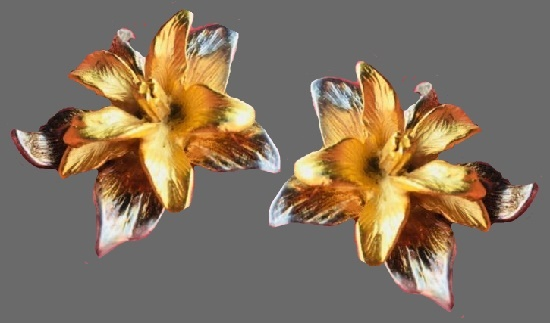 Narcissus flower gold and silver tone earrings