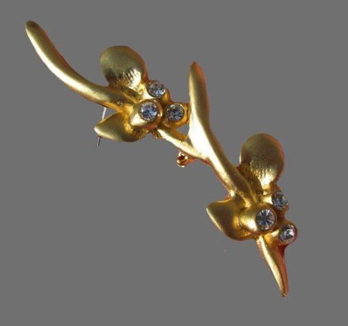 Orchid brooch. Gold tone, rhinestones