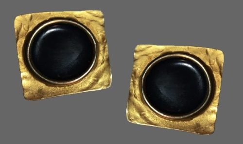 Square gold tone clips with black cabochon in center