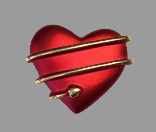 Heart brooch pin. Gold tone metal, red enamel