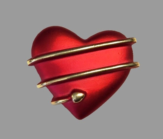 Heart brooch pin. Gold tone metal, red enamel