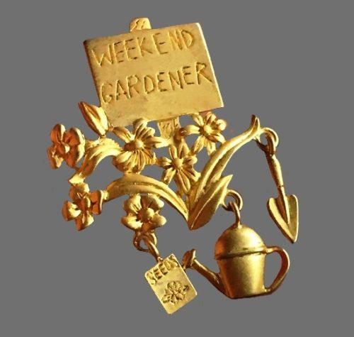 Weekend Gardener gold tone vintage brooch