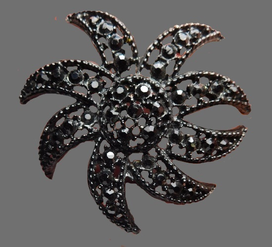 Black rhinestone seastar brooch pin