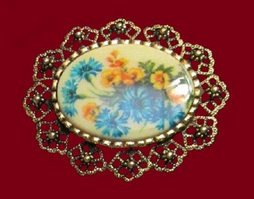 Cameo brooch pendant. Rhinestone, gold tone metal