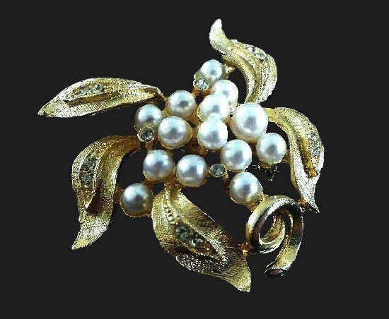 Faux pearl and rhinestone, goldtone berry sprig pin
