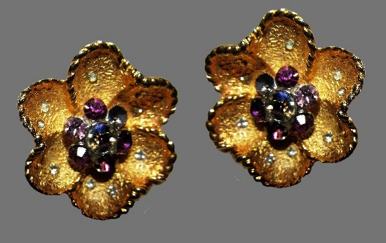 Charming flower clip on earrings. Gold tone metal, clear and pink rhinestones