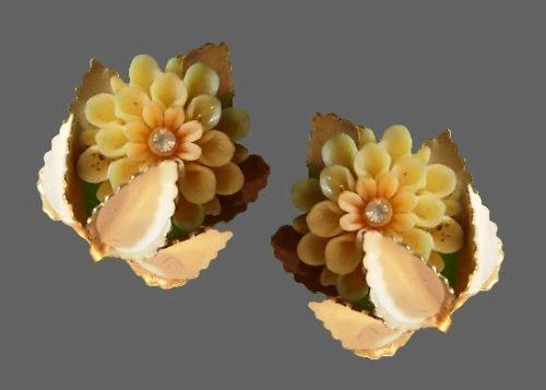 Cream color lucite flower earrings