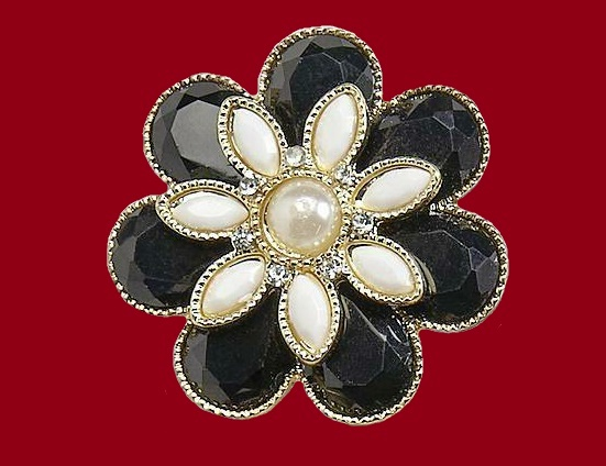 Flower brooch pin. Gold tone metal, faux pearl, beads and rhinestones