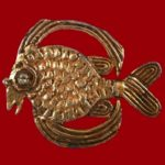 Fish&Crown vintage costume jewelry