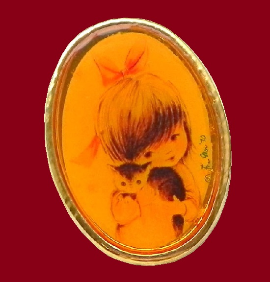 Little girl with a kitten vintage brooch pin. 1971. 5 cm
