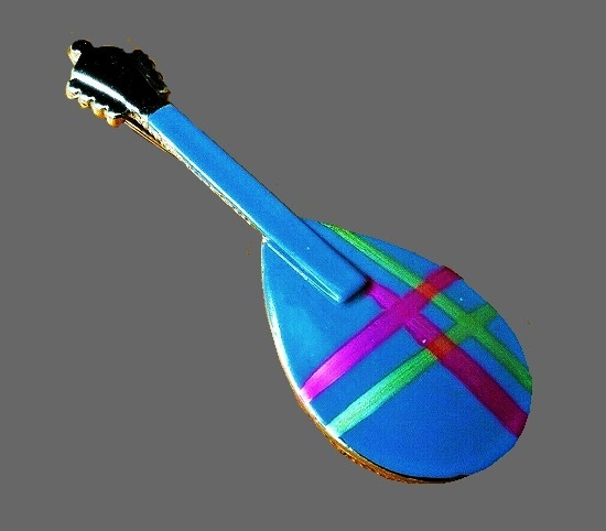 Mandolin Musical Instrument gold tone enameled brooch pin