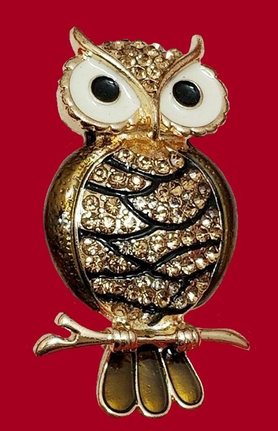 Owl brooch. Gold tone mtal. enamel, rhinestones