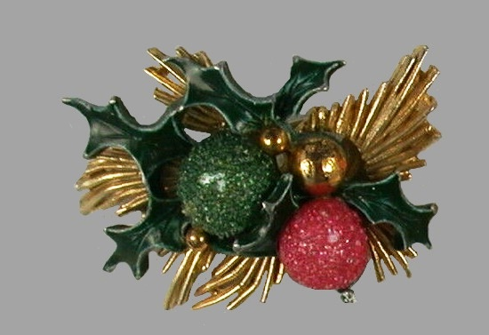 Poinsetta Christmas brooch pin of gold tone, beads, enamel