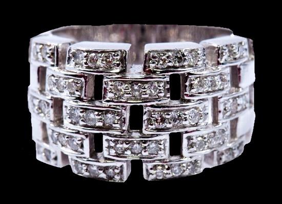 14K White Gold 48 Diamonds Cocktail Ring