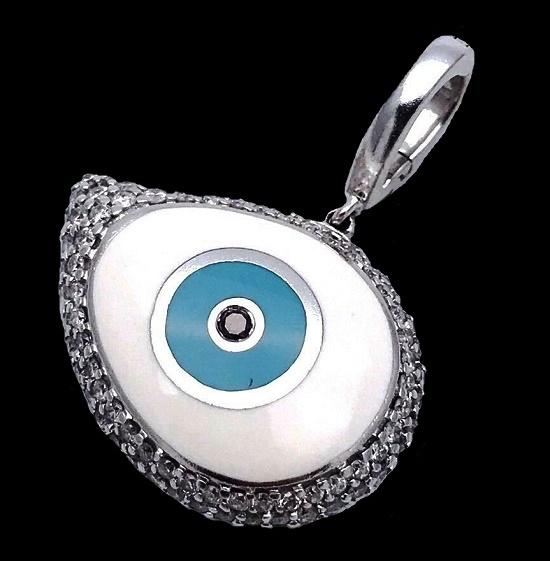 Evil eye pendant. 18 K gold, 0.75 ct diamond