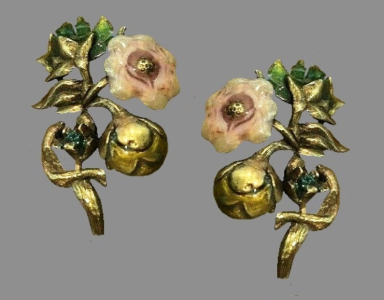 Flower and bud clip on earrings. Gold plated, enamel
