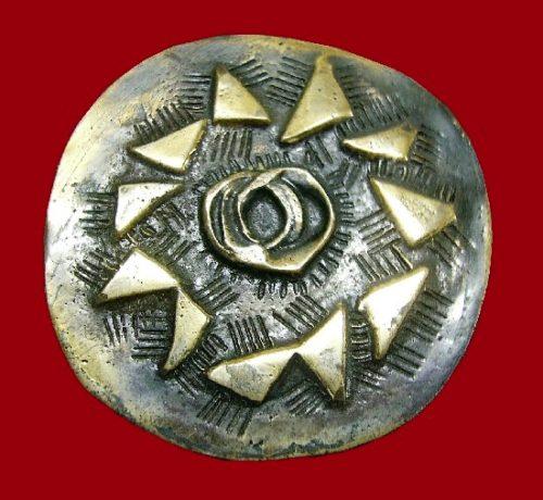 Flower pin brooch. 1960s, bronze