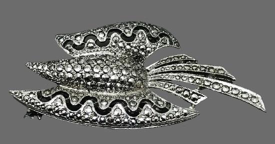 Gorgeous Art Deco style flower brooch. Silver tone metal, marcasite. 6,5 cm