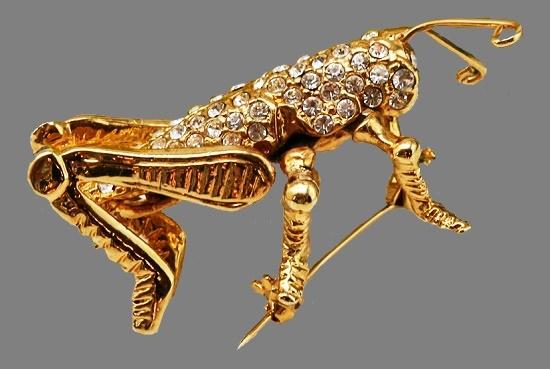 Grasshopper brooch. Gold plated, crystals. Vintage 1980s. 5,5 cm