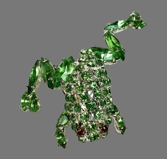 Green frog crystal brooch