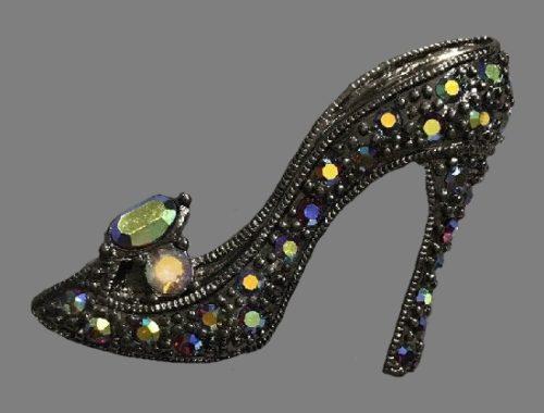 High heel shoe brooch pin. Rhinestones, alloy