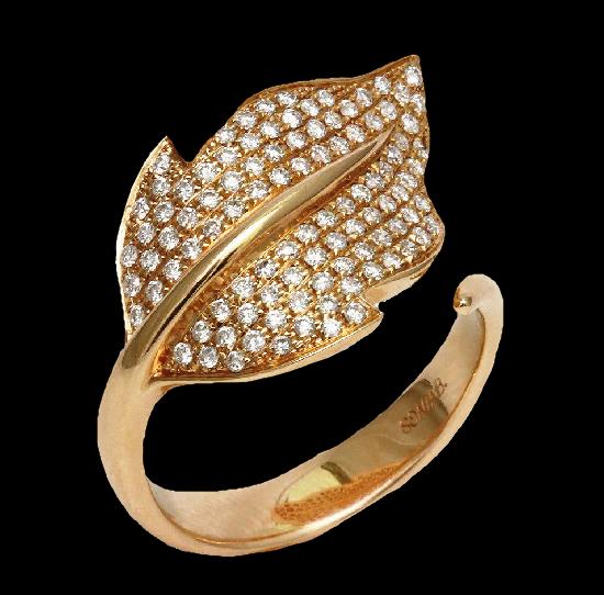 Leaf ring. 14 gold, 1 ct diamond