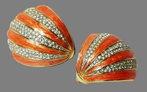 Seashell clip on earrings. Coral enamel, rhinestones, goldtone metal