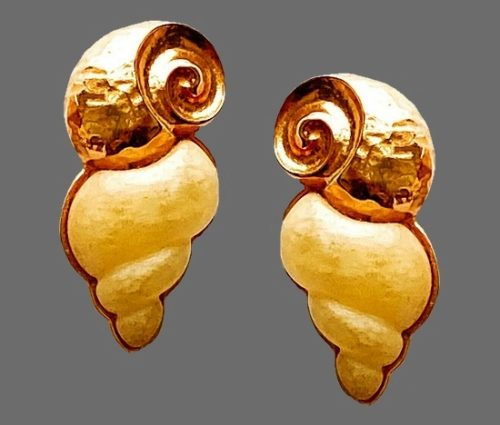Snail gold tone and cream clip earrings