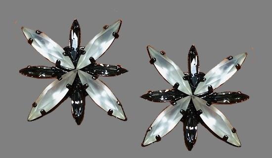 Snowflake shaped vintage crystal earrings