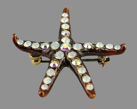 Starfish brooch. Bronze tone metal, crystals
