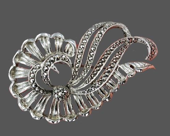 Swirl silver tone brooch pin. 1960s
