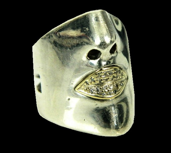 Theatrical face mask ring. 14K yellow gold, sterling silver, diamonds
