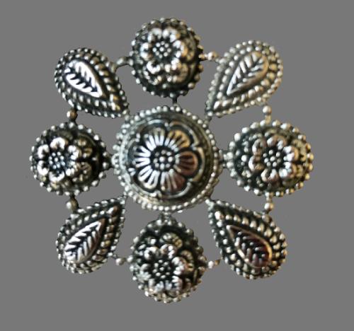 1990s silver tone floral clip