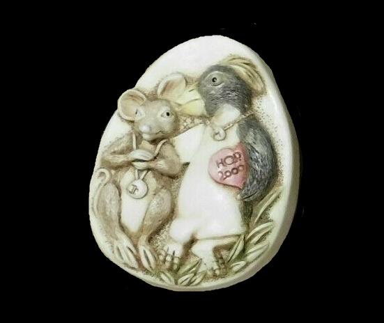 2000 Mouse vintage pendant