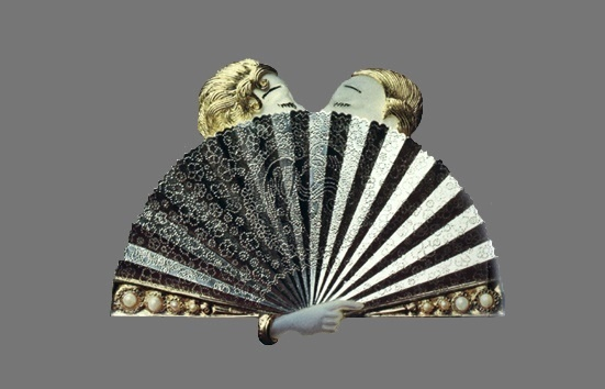 A couple kissing behind the fan. Gold and sterling silver, pearls, enamel