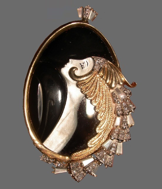 Beauty of the beast pendant. Diamond, mother of pearl, black onyx, 14 K gold