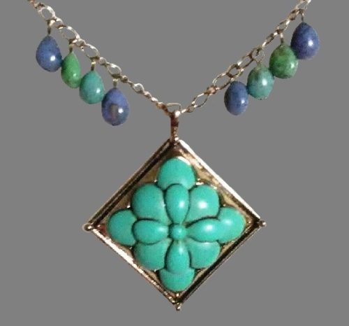 Blue and green color goldtone pendant necklace