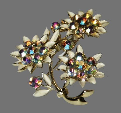 Bouquet of flower brooch. Gold tone metal, enamel, rhinestones, crystals. 5 cm. Signed LS, 1970s