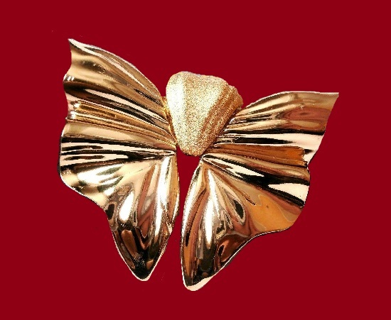 Butterfly gold plated brooch